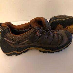Keen hiking/trail sneakers